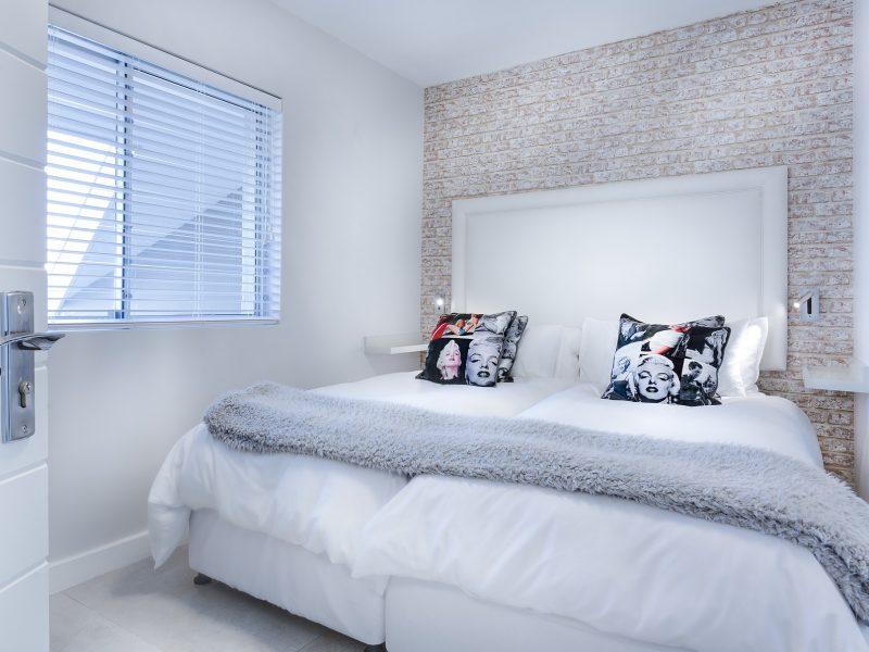 modern-minimalist-bedroom-3147893_1920